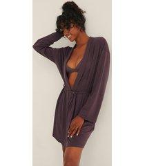 na-kd lingerie soft comfort kort morgonrock - purple