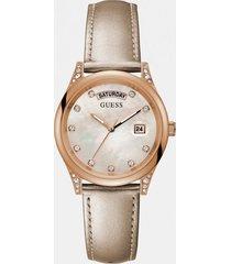 analogowy zegarek z diamentami