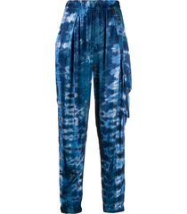 raquel allegra tie dye print tapered trousers - blue