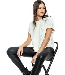 camiseta eco recycle cuello redondo con terminaciones al corte + bolsillo con textura color blue