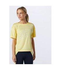camiseta oversized new balance accelerate feminina amarelo - m