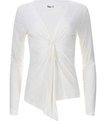 camiseta escote en v con recogido color blanco, talla 10