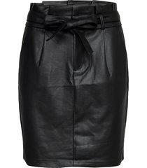 vmeva hr paperbag short coated skt noos kort kjol svart vero moda