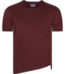 camiseta corte asimétrico para hombre freedom 01178