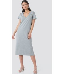na-kd v-neck jersey dress - grey