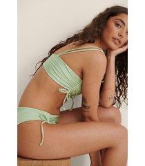na-kd swimwear bikinitopp med dragsko och drapering - green