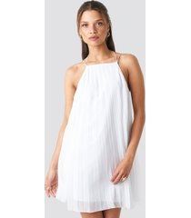 na-kd party mini pleated trapeze dress - white