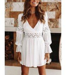 encaje blanco cruzado delantero hueco diseño manga larga con cuello en v profundo vestido