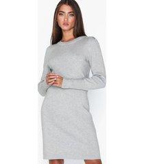 object collectors item objelianna carin l/s knit dress 105 långärmade klänningar