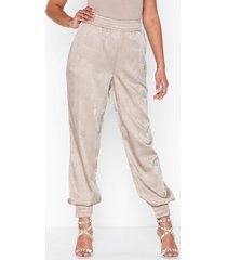 nly trend relaxed fancy pants byxor