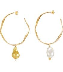 """""""feminine waves' pearl gold-plated hoop earrings"""