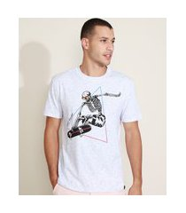 camiseta masculina caveira no skate manga curta gola careca off white