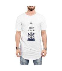 camiseta criativa urbana long line oversized keep calm and be cool gato