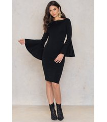 na-kd party side slit wide sleeve dress - black