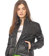 jaqueta puffer colcci resinada preta