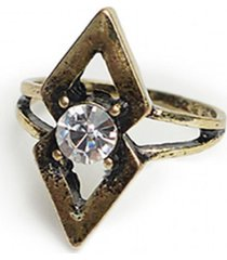 anillo cristal dorado humana