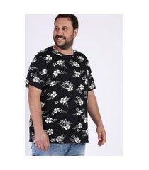 camiseta masculina plus size estampada floral manga curta gola careca preta