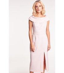 ołówkowa sukienka midi w różowym kolorze
