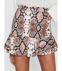 minifalda marrón con volante de serpiente de yoins