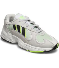 yung-1 låga sneakers grå adidas originals