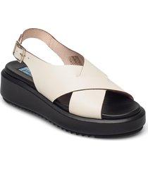 chuncky sandal cross shoes summer shoes flat sandals creme apair