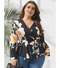 plus talla estampado floral con cuello en v cinturón diseño abrigo diseño blusa de manga larga