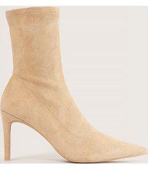 na-kd shoes spetsiga stövlar med hög klack - beige