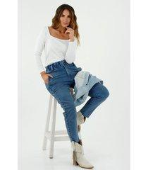 camiseta de mujer, silueta ajustada, cuello cuadrado, manga larga, color blanco
