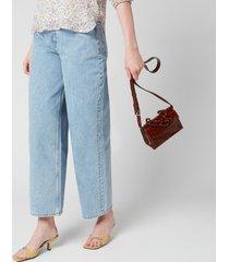 ganni women's croc waist bag - toffee