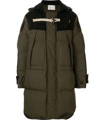 sacai toggle fastening detail hooded coat - green