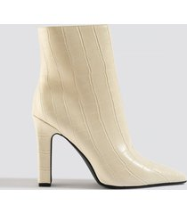 na-kd shoes rounded toe boots - white