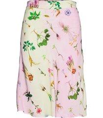 bias skirt in flower garden print - knälång kjol rosa coster copenhagen