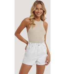 na-kd shorts med paperbag-midja - white