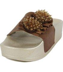sandalia cuero flor piedras café mailea