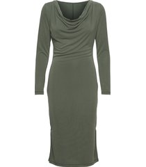 sxcody waterfall dress ls knälång klänning grön soaked in luxury