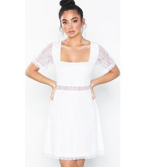 nly eve lace square neck dress loose fit