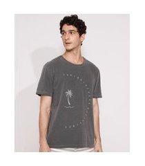 camiseta masculina manga curta coqueiros gola careca chumbo