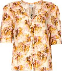 blouse met bladerenprint esmay  roze