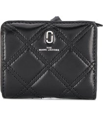marc jacobs mini the softshot quilted wallet - black
