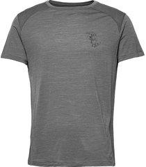eir rain s/s tee m's t-shirts short-sleeved grå klättermusen