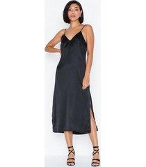 nly trend high slit slip dress skater dresses