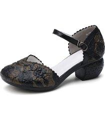 décolleté d'orsay con cinturino alla caviglia con fibbia floreale in rilievo in pelle retrò socofy