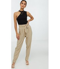 nly trend easy paperbag pants byxor