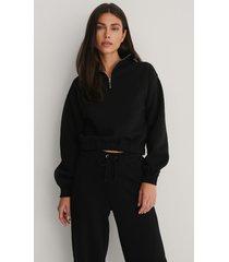 na-kd ekologisk tröja med dragkedja på ärmarna - black