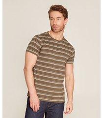 camiseta líneas horizontales