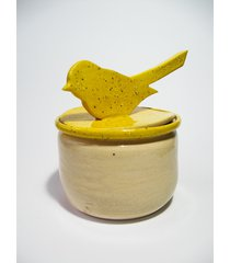ceramiczny pojemnik z ptaszkiem na pokrywce
