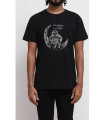 camiseta travesseiro espacial