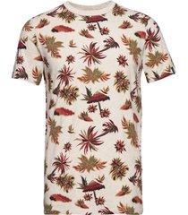 crewneck tee with seasonal all-over print t-shirts short-sleeved creme scotch & soda