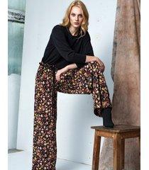 spodnie szerokie w kwiaty