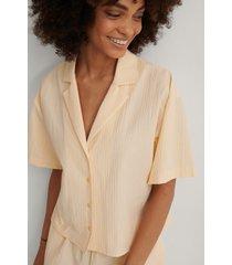 na-kd lingerie kortärmad ekologisk loungeskjorta - beige